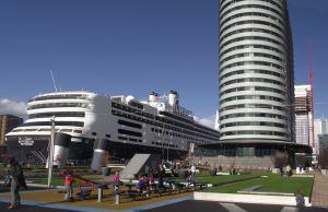 HAL_Rotterdam_terminal_en_schip1a